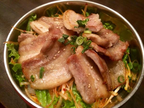 美味しく元気に!「サムギョプサル丼」800円