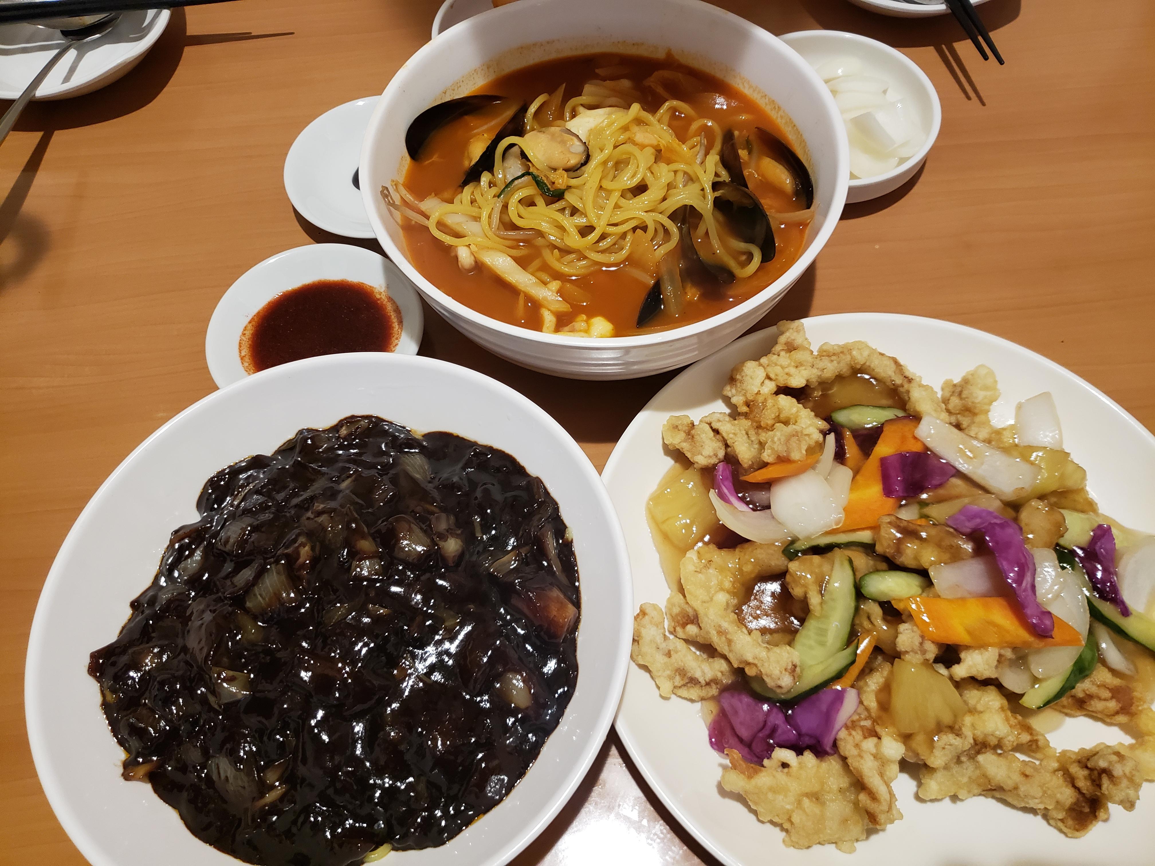 韓国の国民食「ジャージャー麺」